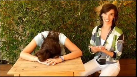 Video: Mejorando cuello y hombros mejoras todo tu