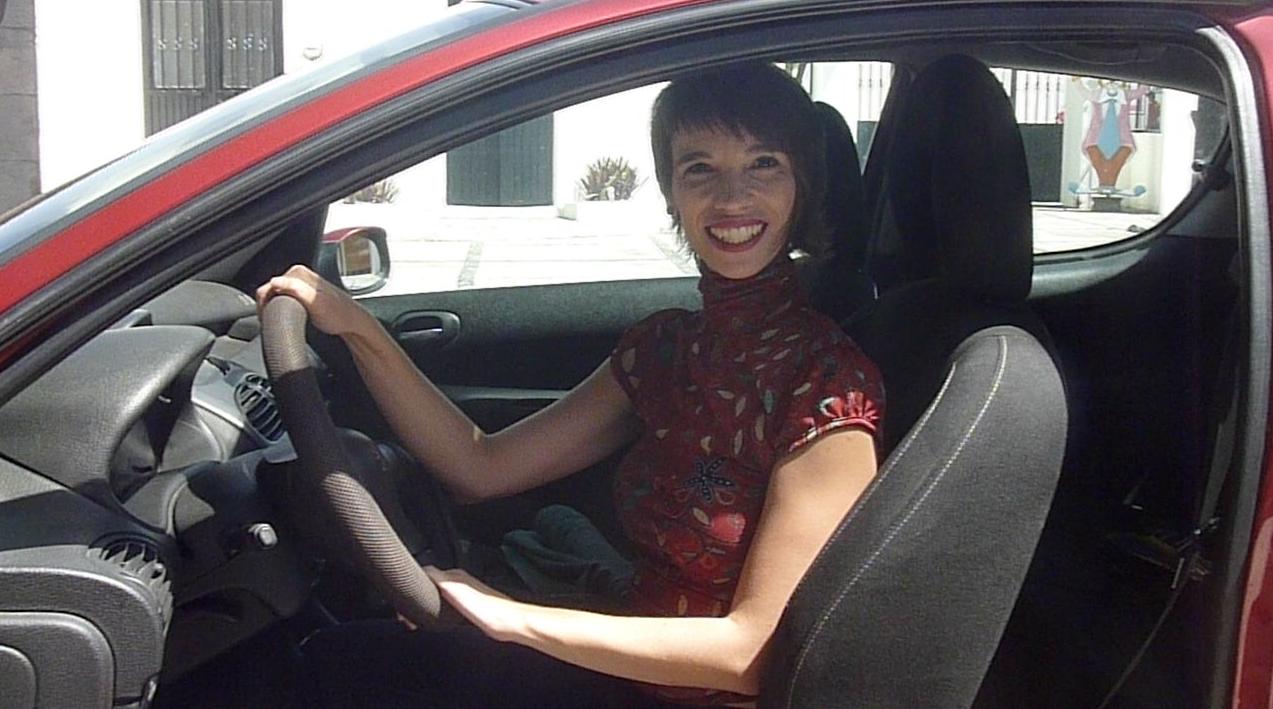 La mejor postura para manejar un coche